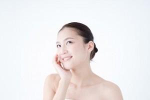 化粧水の成分、お肌の状態を理解しておく大切さをイメ-ジした写真