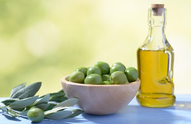 脂質を多く含むオリーブ油
