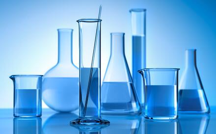 Labor mit Reagenzien