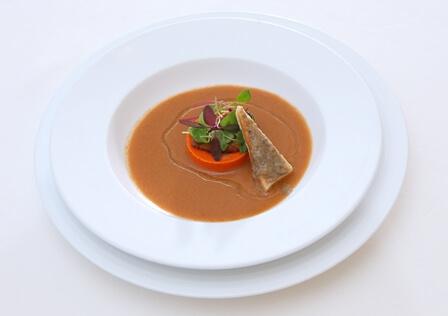エイジングケアを意識した魚料理の写真