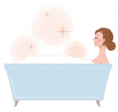 HSP(ヒートショックプロテイン)を増やす入浴法を実践する女性