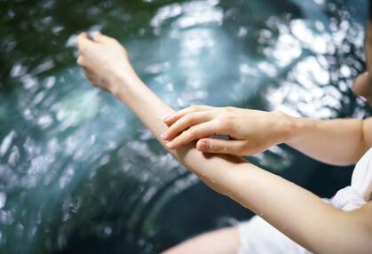保湿力のあるセラミドを補給するイメージ