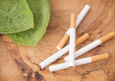 しわの原因になるタバコ