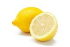 ビタミンC誘導体のイメージであるレモン