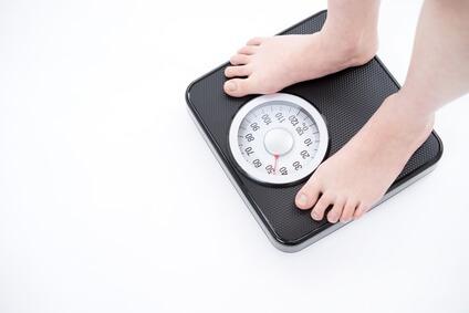 ほうれい線ケアを意識したダイエット中の体重測定