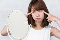 洗顔の目的とは何か考える女性