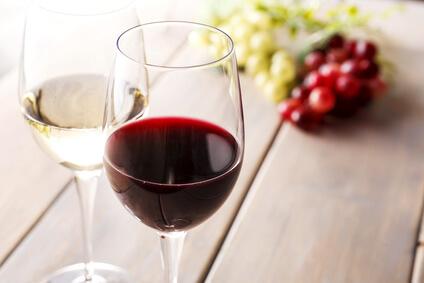 アルコールの飲みすぎはむくみの原因