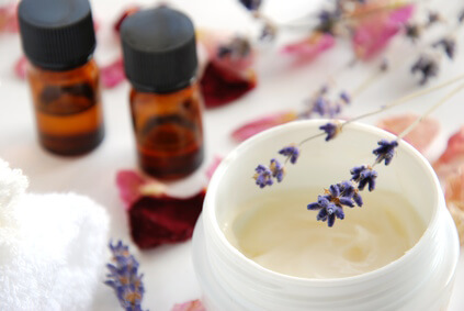 乾燥肌を治療する保湿の医薬品