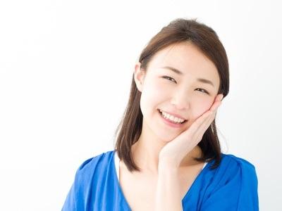 たるみ毛穴を改善するエイジングケアで美肌になった女性