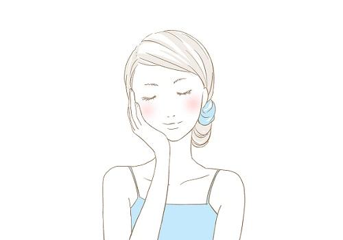 目元・口元の乾燥や悩みのエイジングケアをする女性