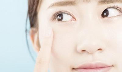 目の下のたるみの予防と改善・解消が気になる女性