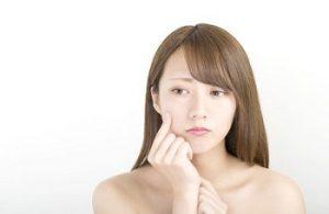 バリア機能を低下させる原因に悩む女性