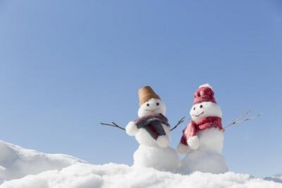 12月のイメージである雪だるま