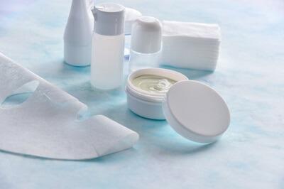 クレンジング後のエイジングケアでしわを予防する化粧品