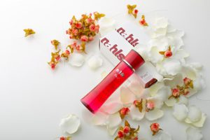 バリア機能の正常化をサポートするエイジングケア化粧水ナールスピュア