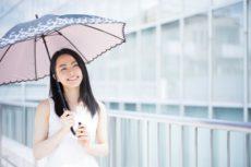 夏(6月・7月・8月)も乾燥肌の対策に気を抜かない女性