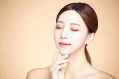 トコフェロール(ビタミンE)化粧品で美肌になった女性
