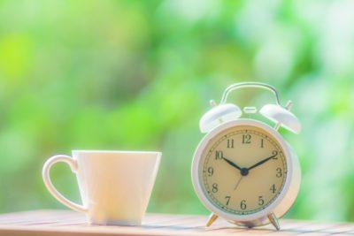 時間を気にするイメージ