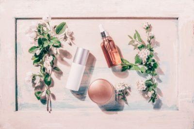 春に使いたい化粧品の写真