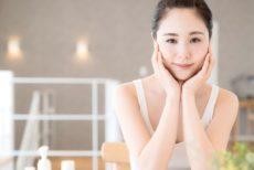 乾燥肌にあう日焼け止めを使用してお肌の調子が良くなった女性