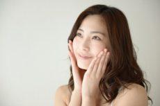 乾燥による粉ふき肌を改善した女性