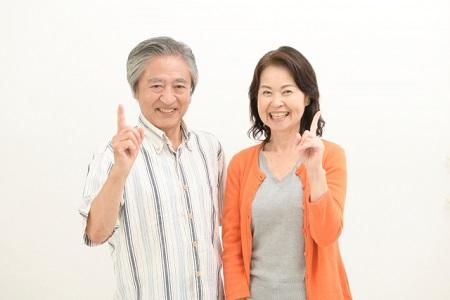 高齢の乾燥肌と肌トラブルの原因を治療した二人